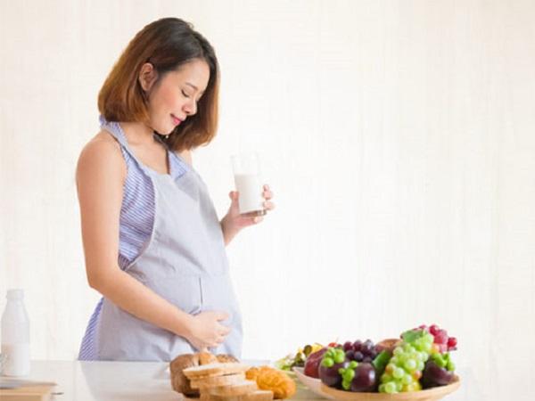 Bà bầu nên ăn gì để có đầy đủ chất dinh dưỡng cho mẹ và thai nhi
