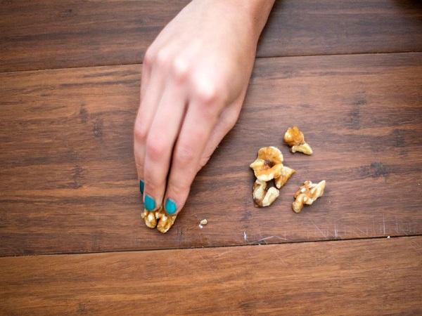 Mẹo loại bỏ vết trầy xước trên gỗ :