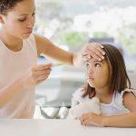 7 cách hạ sốt cho trẻ tại nhà an toàn tuyệt đối, hiệu quả bất ngờ