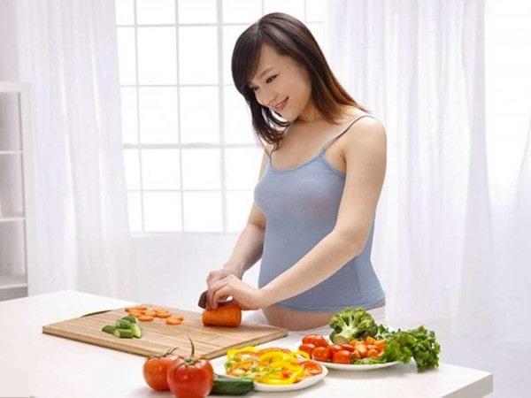 Bà bầu nên ăn gì trong 3 tháng đầu để tốt cho cả mẹ và bé?