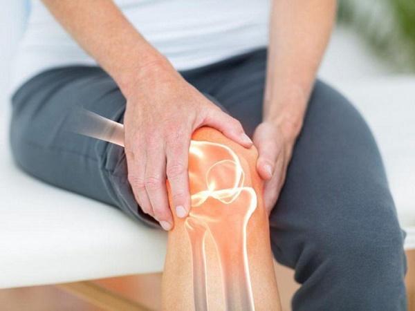 Triệu chứng và trị liệu của bệnh viêm khớp gối