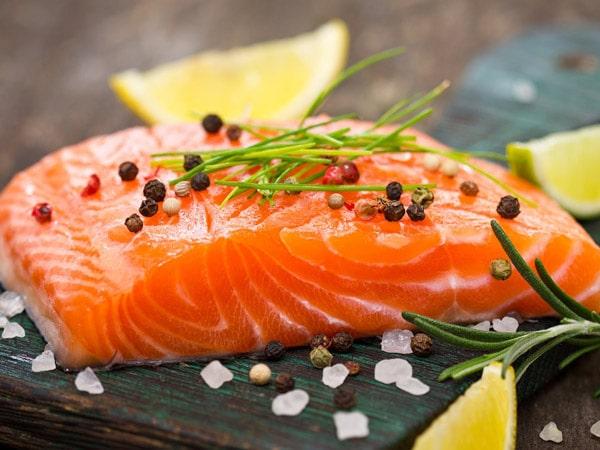 Cá hồi - Thực phẩm bổ não rất tốt cho trẻ