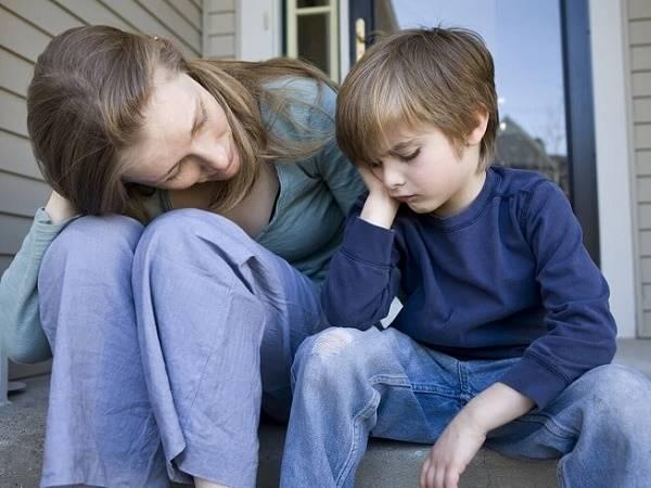 Cách dạy con trai bướng bỉnh hiểu chuyện mà không cần quát mắng