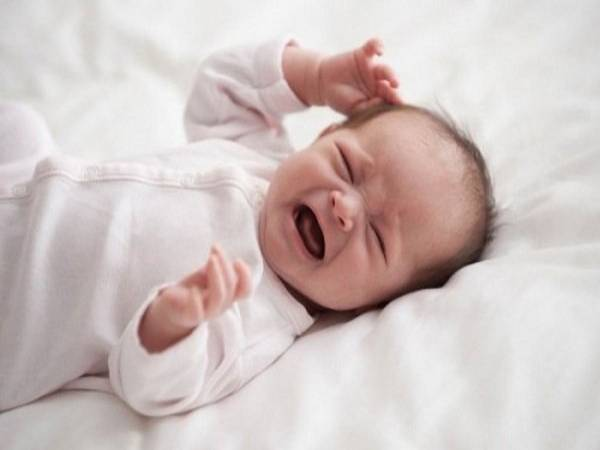Nguyên nhân trẻ sơ sinh khó ngủ