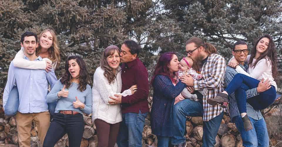 5 cách để củng cố mối quan hệ gia đình với bên ngoài và trẻ